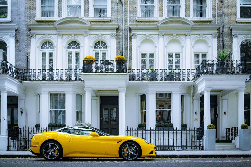 BUYERS LOOKING AT LONDON'S LUXURY REAL ESTATE MARKET IN 2021