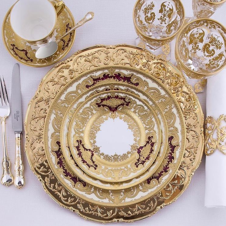 GUIDE TO WORLD'S BEST LUXURY DINNERWARE BRANDS FOR YOUR HOUSEHOLD